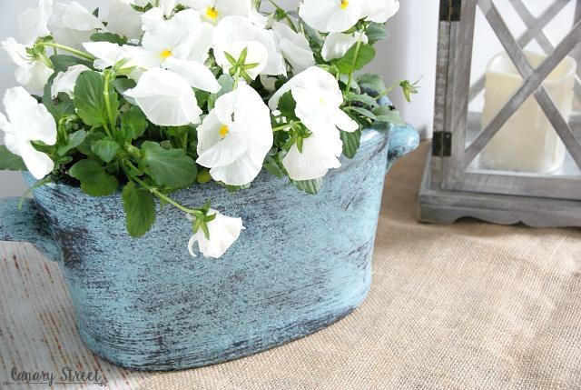 How to create a faux patina finish (the easy way!). http://canarystreetcrafts.com/
